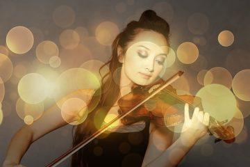 ヴァイオリンを弾く人